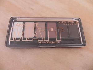 Absolute Matt Eyeshadow Palette Catrice