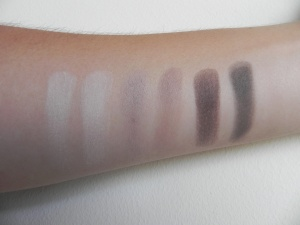 Swatches Absolutee Matt Eyeshadow Palette
