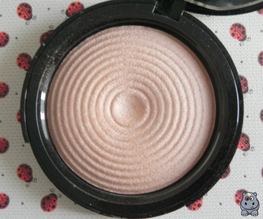 Radiant Light Breathe Makeup Revolution